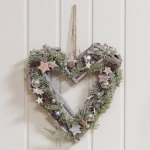 Widdop Gifts Wood Heart Shaped LED Pinecone Wreath